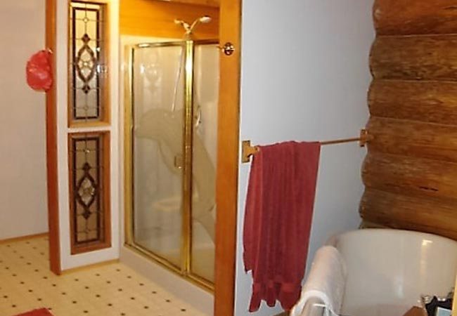 bathroom-remodel-Grapeview-Washington-cabin-home-before