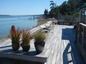 deck-Grapeview-Washington-waterfront--
