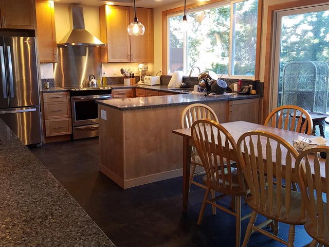 kitchen-remodel-Grapeview-Washington-stainless-steel-hood