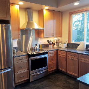 stainless-steel-range-Grapeview-Washington-custom-cabin-kitchen-remodel